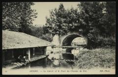 Le Lavoir et le Pont du Chemin de Fer - Antony