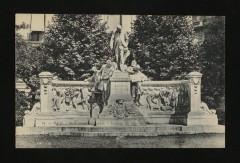 Monument Alphand - Avenue du Bois de Boulogne - Paris 16e