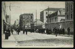 La Sortie de la Manufacture des Tabacs - Issy-les-Moulineaux