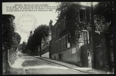 Maison de Léon Gambetta - Né en 1838 [...] mourut aux Jardies entouré de ses amis le 31 décembre 1882. - Sèvres
