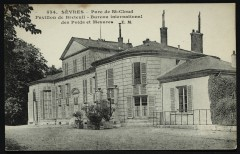 Parc de St Cloud - Pavillon de Breteuil - Bureau international des Poids et Mesures - Saint-Cloud