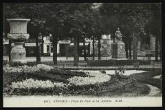 Place du Parc et les Jardins - Sèvres