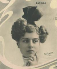 Yvonne GARRICK, Photo Reutlinger (cropped) France