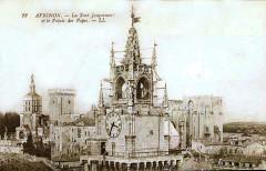 La Tour Jacquemart et le Palais des Papes - Avignon
