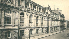 Rue saint sauveur et bibliotheque universitaire - Caen