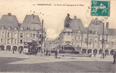 Gaspillage 31 - Charleville - La statue de Gonzague et la Place - Charleville-Mézières