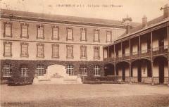 Chartres Lycée Marceau Cour d'Honneur Eure-et-Loir France - Chartres