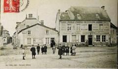 Courcy 1908 la place 8400 - Courcy