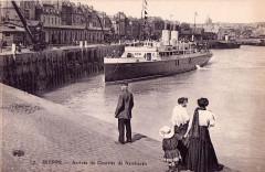 Dieppe. Steamer runs between Dieppe and Newhaven. Postcard - Dieppe