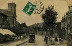 Carte postale place de l'Hôtel de Ville Dives-sur-Mer - Dives-sur-Mer
