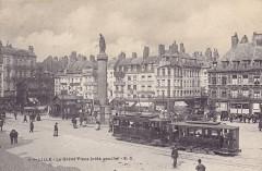 La Grand'Place (côté gauche) - Lille