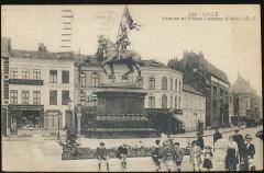 Lille - 123 - Statue et Place Jeanne d'Arc - Lille