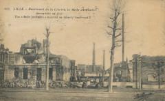 Lille - 2052 - Boulevard de la Liberte - La Belle Jardiniere incendiee en 1914 - Lille