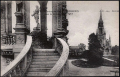 Le Monument de Jeanne d'Arc et l'Eglise - Bonsecours