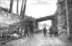 Ligne de tamway sous le pont à saint gobain - Saint-Gobain