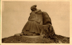 Tréguier. Carte postale. Monument aux Morts. Yvon - Tréguier