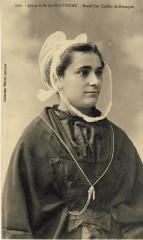 Jeune fille de Plouescat en coiffe traditionnelle - Plouescat