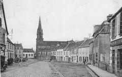 Lanmeur La place et l'église vers 1910 - Lanmeur