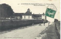 Château Blanc et Route de Pesselières - Sougères-en-Puisaye