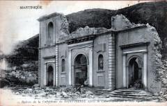 Ruines de la cathédrale de Saint-Pierre après la catastrophe du 8 mai 1902