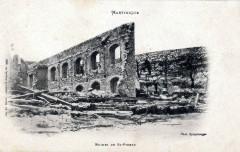 Ruines du lycée de Saint-Pierre