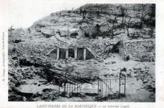 Ruines du théâtre de Saint-Pierre en 1902