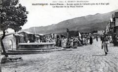 Saint-Pierre, le marché de la place Bertin en 1922