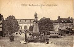 Brunclair - Troyes - Le Monument des Enfants de l'Aube et la Gare - Troyes
