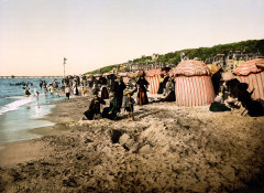 Flickr - …trialsanderrors - The beach at bathing time, Trouville, Normandy, France, ca. 1895 - Trouville-sur-Mer