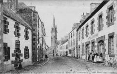 Plouescat Rue Primel et Hôtel de l'Armorique - Plouescat