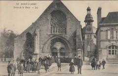 Sortie de messe à Pont-l'Abbé - Pont-l'Abbé
