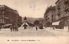 Ll 150 - Valence - Place de la République - Valence