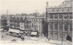 Valenciennes -Un coin de la place d'Armes- - Valenciennes