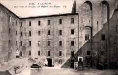Avignon cour d'honneur du palais des papes - Avignon