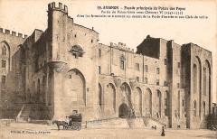 Avignon Façade palais des papes - Avignon