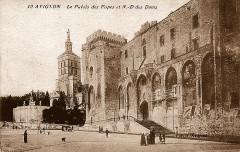 Le Palais des Papes et Notre-Dame des Doms - Avignon