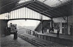 Paris - Le Metropolitain station Dupleix - Paris 15e