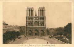 Notre Dame et le Parvis - Paris 4e