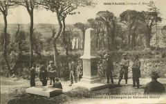 Plougrescant - Monument de l'enseigne de vaisseau Henry - Plougrescant