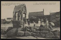 Ploumanac'h - La Chapelle de Saint-Guirec à Marée basse - Perros-Guirec