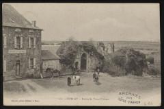 Corlay - Entrée du vieux château - Corlay