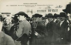 Tréguier - Basilique le jour de l'inauguation du calvaire - Tréguier