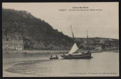 Erquy - Arrivée d'un bateau de pêche au port 22 Erquy