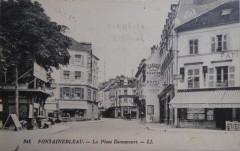 345 FONTAINEBLEAU. - La Place Dennecourt. - Ll - Fontainebleau