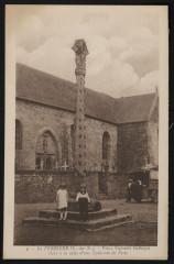 La Ferrière - Vieux calvaire gothique élevé à la suite d'une épidémie de peste - Plémet