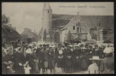 Lanloup - Place et église - Lanloup