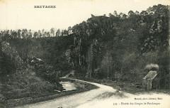 Saint-Gilles-Vieux-Marché - Entrée des gorges de Poulanque - Saint-Gilles-Vieux-Marché
