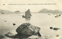 Trébeurden - Barque de pêcheur de l'île de Sieck entrant au port - Trébeurden