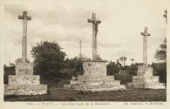 Plévin - Intérieur de l'église tombeau de Julien Maunoir - Plévin