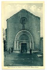 Alpes de Haute-Provence Ganagobie Porte Historique de l'Eglise animé - Ganagobie